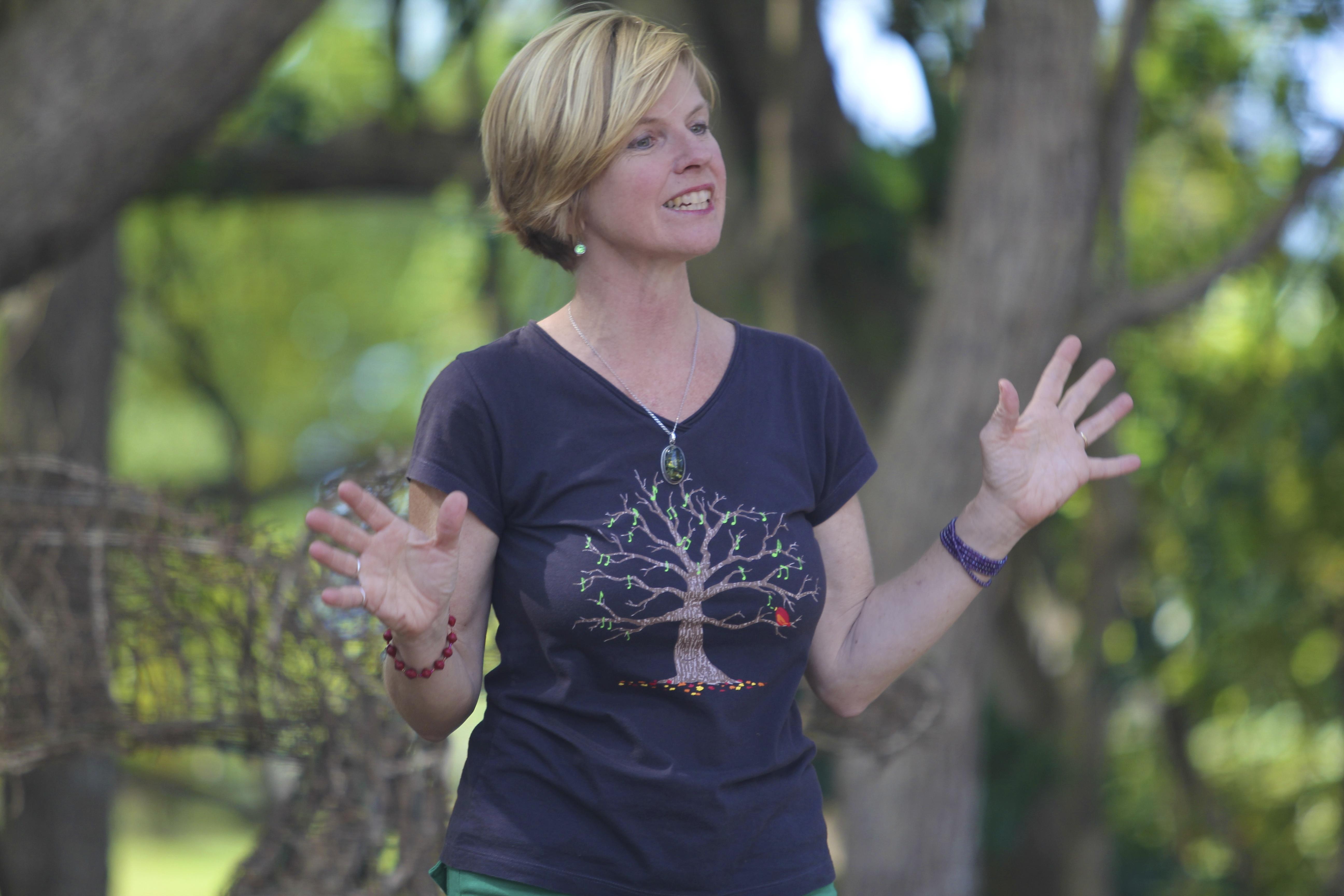 Jenni tells nature tales at the 'Living Earth Festival'.