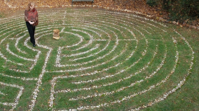 A Labyrinth, a Goddess and a Descent to the Underworld in Byron